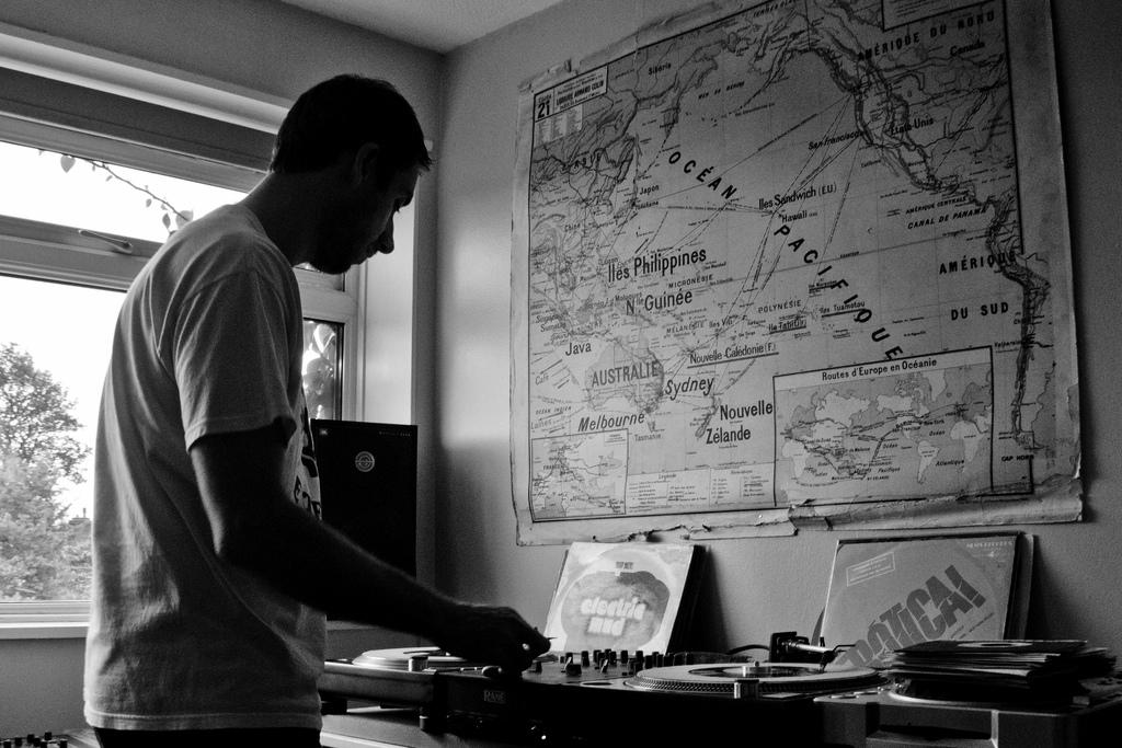DJ-Format-Record-Spinning-7