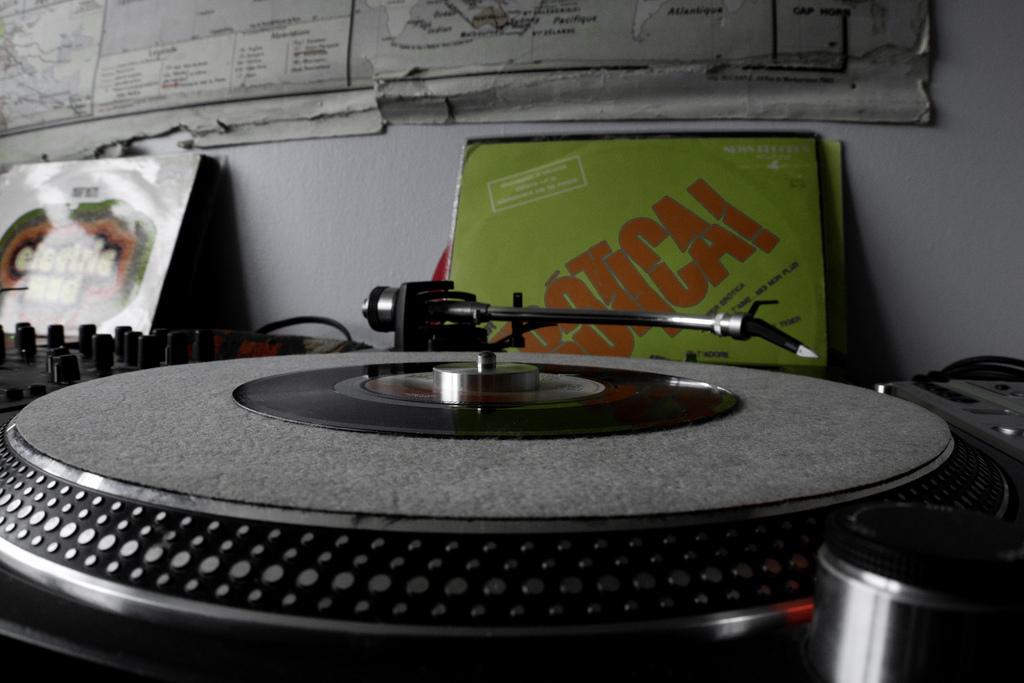 DJ-Format-Record-Spinning-8